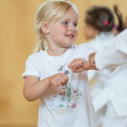 MINI KIDS Karate HOFSTEIG Spiel Sport Spaß Karate mach klug Karate lernen